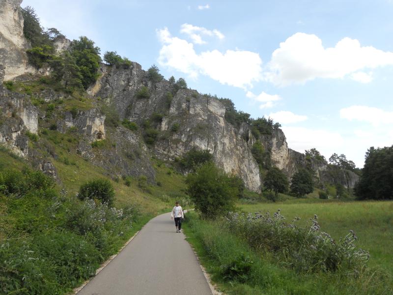 Radweg im Schwarze Laber Tal