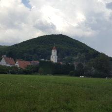 Hohenstadt vom Radweg aus