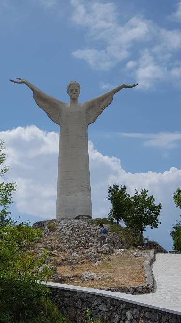 Maratea Rundwanderweg zur Christus-Statue auf dem Berg San Biagio, Italien