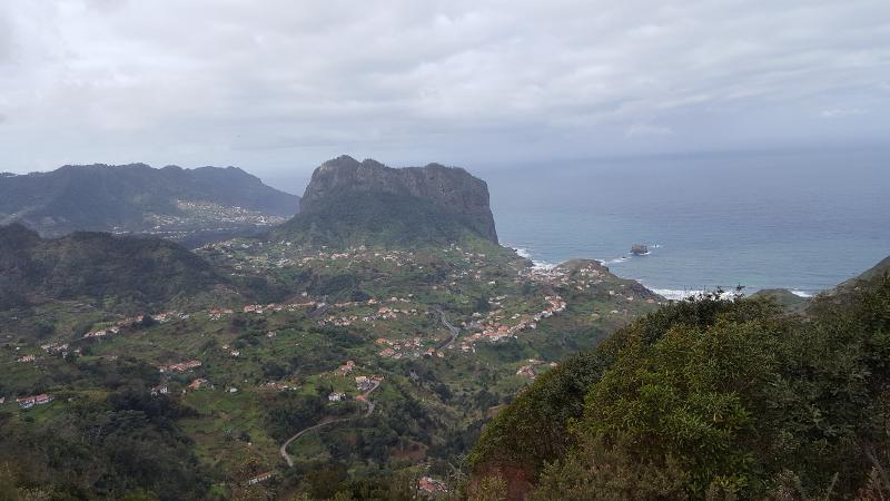 Madeira Levadawanderung Ribeiro Frio Blick auf Nordkueste