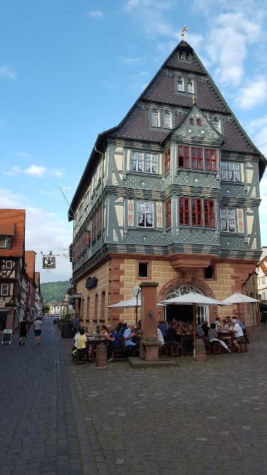 Mainradweg von Wertheim bis Miltenberg - Hotel zum Riesen Miltenberg