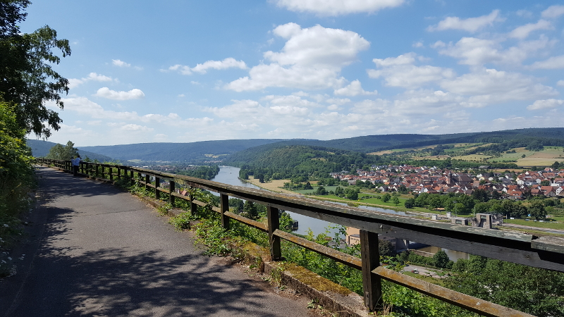 Mainradweg von Miltenberg bis Aschaffenburg - Sonnenweg am Main auf der Clingenburg