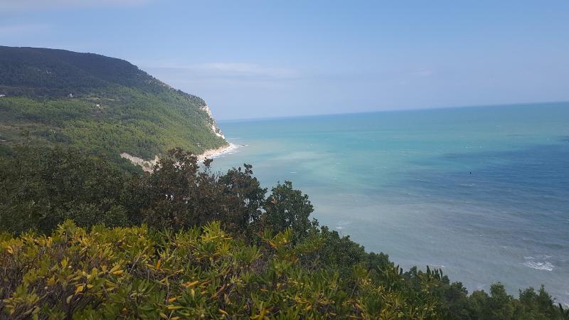 Aussicht bei Wanderung zum Strand von Sirolo