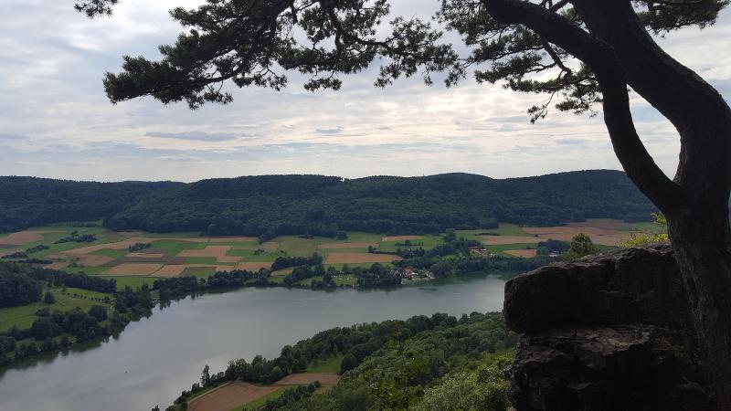 Aussicht vom Hohlen Fels auf den Happurger Stausee
