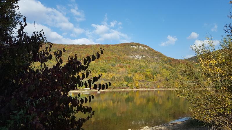 Happurger Stausee mit Blick auf Hohler Fels