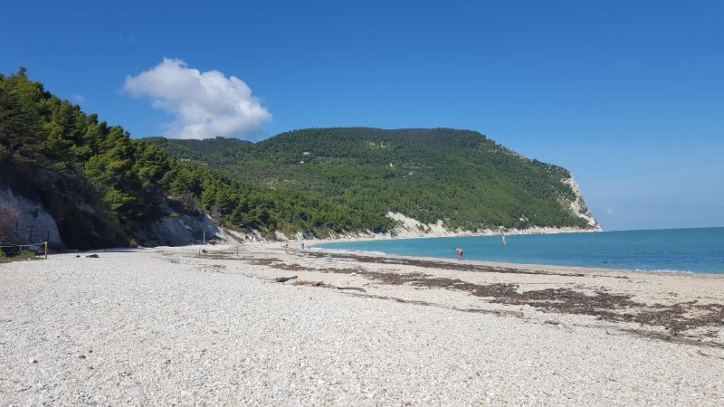 Strand von Sirolo