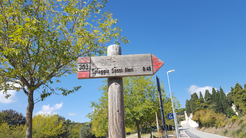 Wanderweg 303 zum Strand bei Sirolo