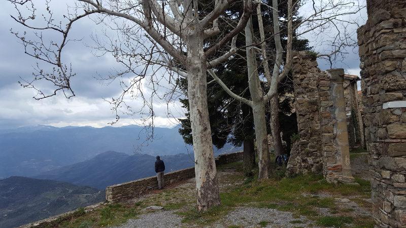 Bajardo Aussicht bei alter Burg