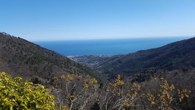 Blick auf Meer bei Wanderung von Perinaldo nach San Romolo