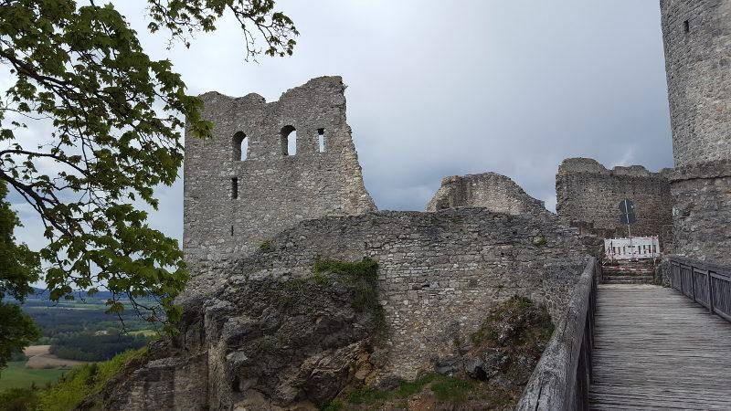 Wanderung Krähentisch Burgruine Wolfstein in Neumarkt
