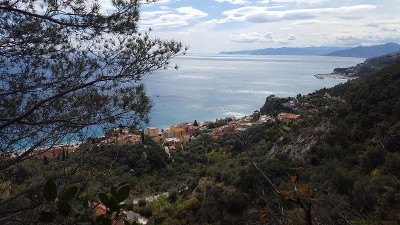 Wanderung von Finale Ligure nach Varigotti in Ligurien