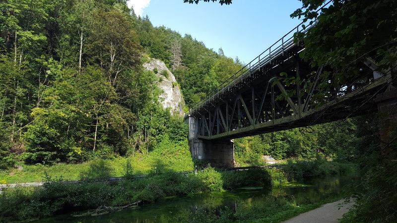 Alte Eisenbahnbrücke am Pegnitztalradweg