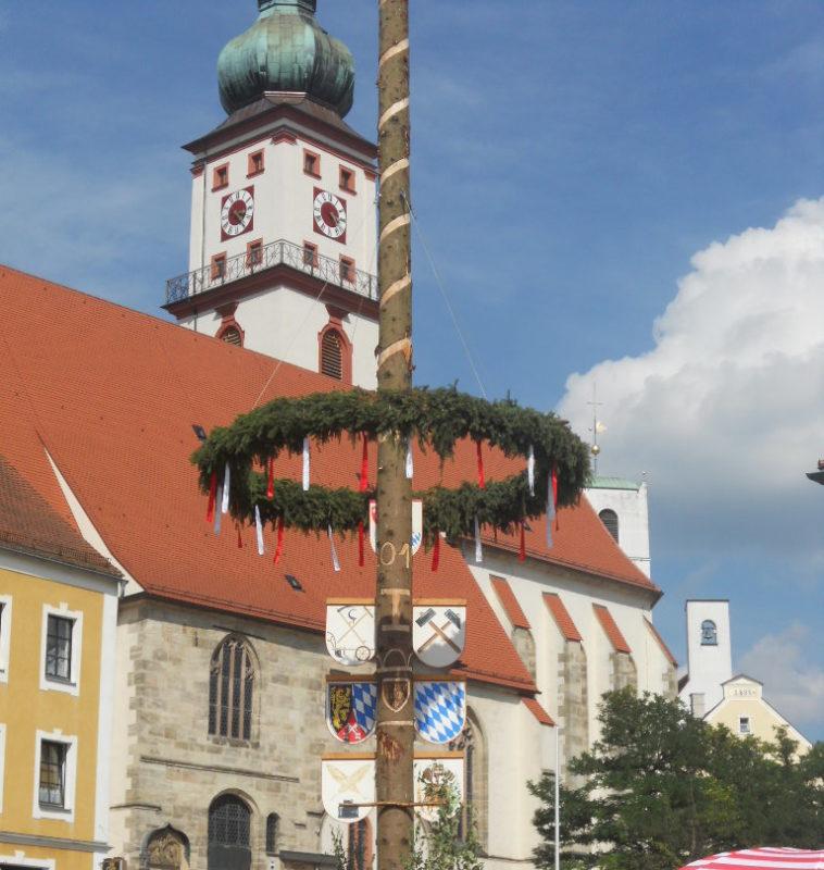 Traditionelle Kirchweih in Bayern - Kärwa-Kirwa-Kirta-Kerm